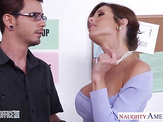 Stockinged Veronica Avluv turtle-dove in the office