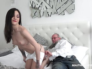 Teen babe Lulu Gun has an old dick fetish ergo she rides one