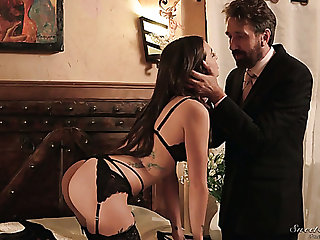 Likely up curvy beauty Gia Paige gives such a excellent deepthroat blowjob
