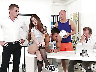 Nice hottie Stacy Snake turns away to be a accommodative floozy who loves gangbang