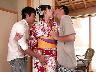 Depraved Japanese geisha Yuna Shiratori works on team a few cocks well (FMM)
